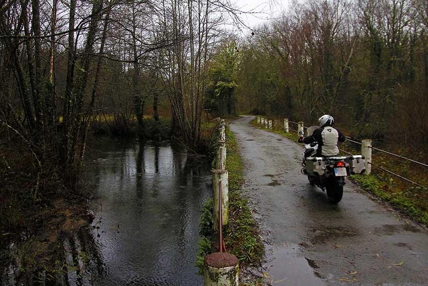 Consejos para Andar en Moto con Lluvia