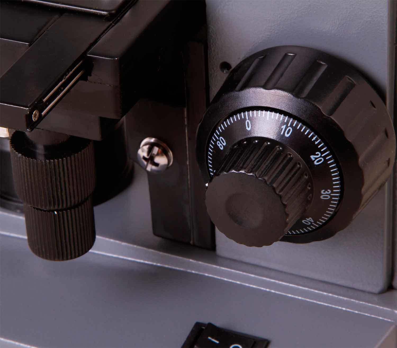 Microscopio Biológico Monocular Levenhuk 320 PLUS detalle
