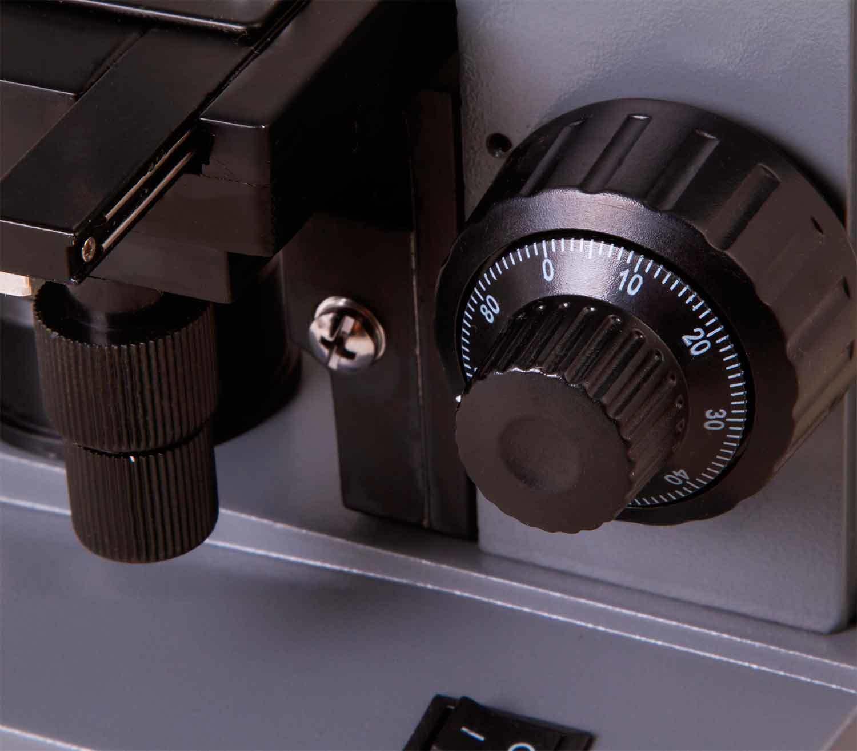 Microscopio Monocular Biológico Levenhuk 320 BASE tras